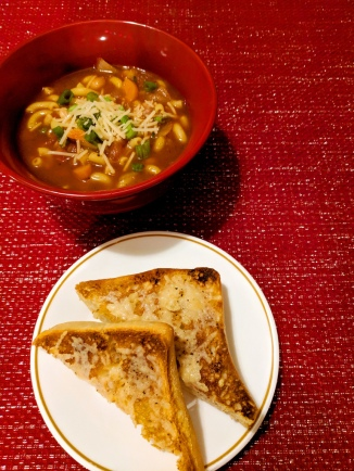 22. Vegetable Minestrone Soup with Parmesan Garlic Bread (Hello Fresh)